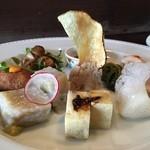鳴尾山芋研究所 フラットブッシュ - 前菜盛り合わせ8種