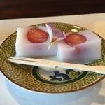 鳴尾山芋研究所 フラットブッシュ - 自家製フルーツコンフィ