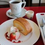 SATURDAY SUN - 料理写真:ロールケーキ