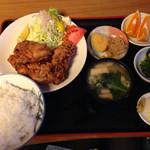 与里道 - 唐揚げ定食 800円