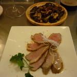 プラテロ - 平茸と生ハムのソテー、鴨ムネ肉のエスカベッチュ