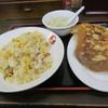 中華食堂一番館 - 料理写真:チャーハン、餃子5個セット