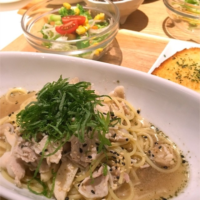 https://tabelog.ssl.k-img.com/restaurant/images/Rvw/48563/640x640_rect_48563180.jpg