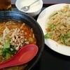 鉄人 餃子坊 - 料理写真:担々麺とレタスチャーハンのセット780円税込み