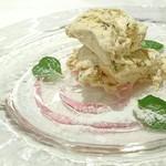 Ostu - 料理写真:桜のセミフレッド