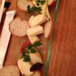 ビストロ釧路 - 2016年3月 酪恵舎チーズ盛り合わせ