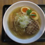 麺屋 ふぅふぅ亭 - 味玉らーめん(塩) 850円