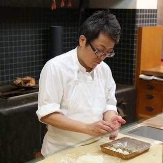 料理の鉄人、道場六三郎氏の店で修業しました。