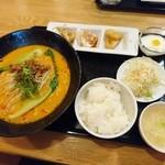 中華料理香満堂 - 担々麺定食(800円)2016年3月