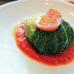 ロマンティコ - カプネット  塩漬け肉のサボイキャベツ包み焼き