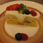 48707997 - トライフルケーキのアップ(2015.10)
