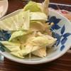幸屋居酒屋 - 料理写真:ざく切りキャベツ。胡椒とレモン、オリーブオイルが掛かっていました。値段は不明。