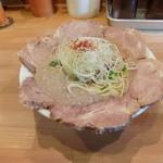 麺屋 極鶏 - 極鶏(鶏だく)700円+チャーシュー200円