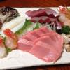喜代 - 料理写真:刺し盛り(中とろ、かつお、ぼたん海老、つぶ貝、とり貝、真いか)