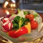 竹林庵みずの - サラダの野菜はすべて自家栽培でフレッシュ。