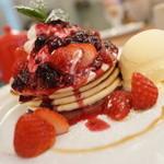 Sapporo Pancake&Parfait Last MINT - 自家製いちごジャムパンケーキ