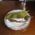 湘南菓庵 三鈴 - 料理写真:桜餅