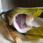 湘南菓庵 三鈴 - 料理写真:桜餅アップ