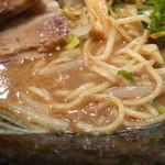 幻の中華そば加藤屋 四条にぼ次朗 - 麺とスープ