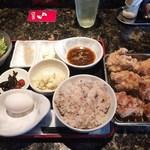 魚と串揚げ 串かっちゃん - 山盛り唐揚げ定食