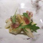 レストラン リューズ - あおりいか、フランス産ホワイトアスパラ