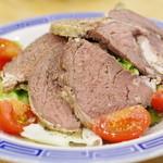 大鵬 - 野生牛肉のチャーシューサラダ
