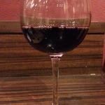 肉バル ウーズチャーム - 樽生ワインの赤をグラス480円