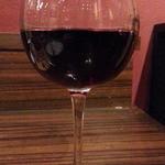 肉バル ウーズチャーム - 赤ワインはパヌールカベルネソーヴィニヨンをグラス400円