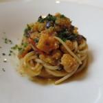 48863313 - スパゲッティーニ イイダコ、青菜とドライトマトのソース