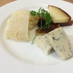 EATALY - チーズ盛り合わせ(小)