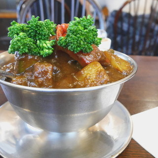 トマト - 料理写真:和牛ビーフカレー 季節野菜追加