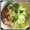 刀削麺酒家 - 料理写真:緑がキレイ(^ ^) 肉味噌たっぷりジャージャー刀削麺780円。