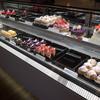 モンブラン - 料理写真:キレイなショーケース。ケーキは全部買いたくなるほど完成度が高い。