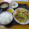 みち草 - 料理写真:肉と野菜のみそ炒め定食800円。
