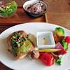 ダブルドアーズ - 料理写真:季節野菜プレートwith若鶏のグリルグリーンソース