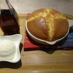 カフェ アンド - スフレパンケーキ