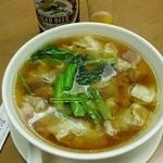 慶華飯店 - 蝦雲吞はおすすめ。