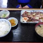 もとやくし食堂 - イカ姿焼き定食