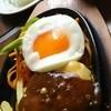 肉の万世 - 料理写真:16年3月  ハンバーグ&ナポリタンランチ(180g)+チェダーチーズトッピング