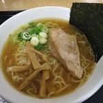 らーめん初代 - 白たまり醤油らーめん 918円 (^^