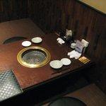 焼肉 ぐろーばる - 奥のお座敷席です。
