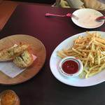グラデボール - 料理写真:ガーリックトーストとポテト