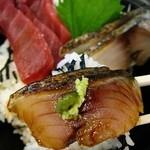 まぐろや - サービス)赤身炙りサバ丼650円