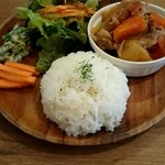 トモチェカフェ - ランチ『新じゃが肉じゃが』¥880-