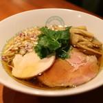 麺屋 六感堂 - 2番人気しょうゆラーメン