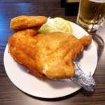 せきとり - 半身から揚げカレー味(¥1000くらい)。新潟のご当地グルメ、アツアツにかぶりつこう!