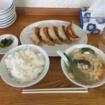 中華トントン - びっくり餃子セット730円
