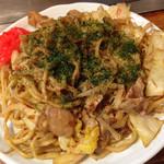 たるや鉄板焼 - 茹で上げ太麺ヤキソバ(並) ¥500