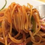 伊酒家 あずき - 細めの乾麺スパゲティ使用