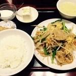 49304066 - 定食4番。ニラ・豚肉・卵炒め